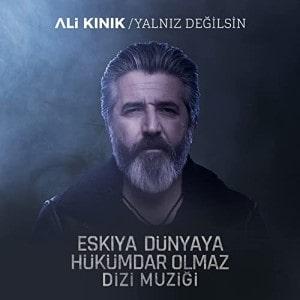 دانلود آهنگ یالنیز دییلسین از علی کینیک